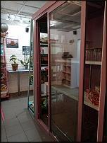 www.floristic.ru - Флористика. Продаю флористическое оборудование: стол, стойка для бумаги, холодильник, вазы.